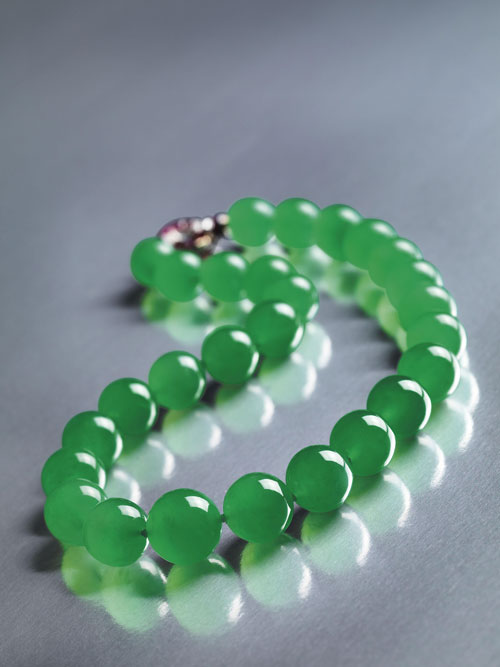Hutton-Mdivani necklace made of 27 Qing jadeite beads