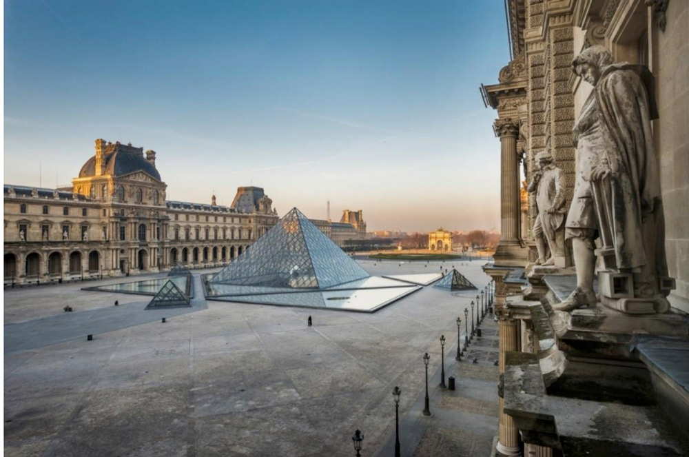 Bid for the Louvre auction by Christie's