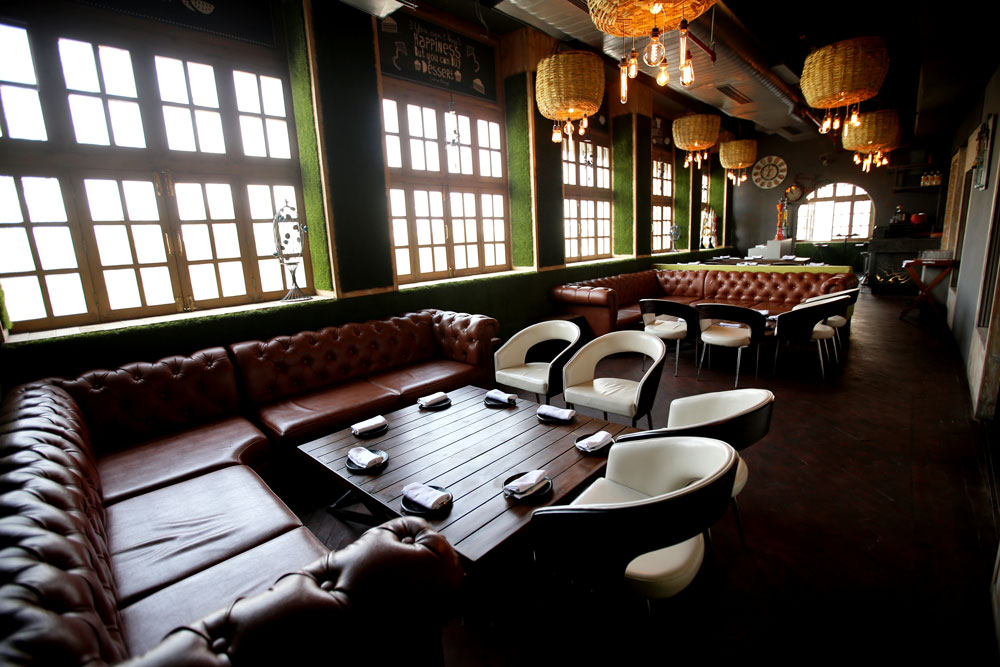 Farzi Cafe Connaught Place New Delhi seating